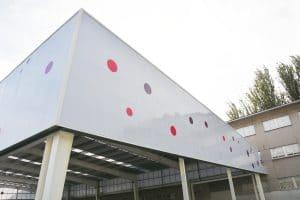 Cubierta personalizada a medida Danpalon polideportivo colegio Galicia a Coruña